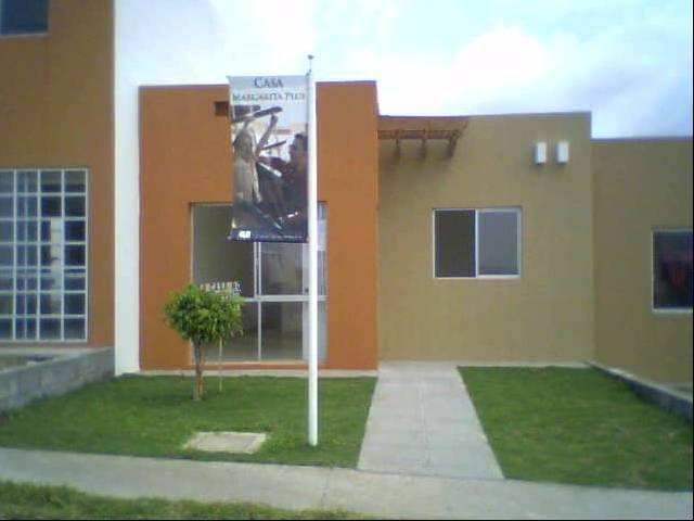 Fachada actual es color rojo o amarillo paja se entrega for Colores para pintar fachadas de casas