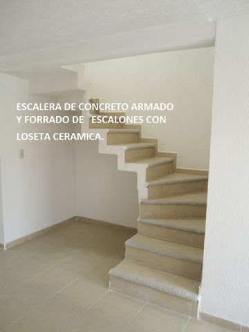 Escaleras con antiderrapante enlace inmobiliario for Escaleras para 2 pisos